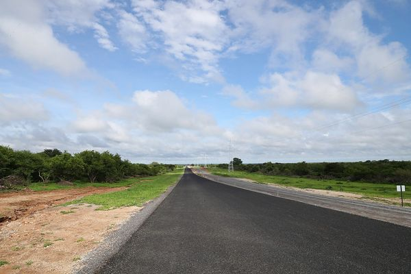 Boseto to Zone 5 Haul Road bitumen sealed and access road construction in parallel